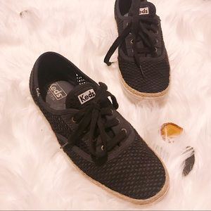 KEDS woman's SZ9 Knit Crochet Black Sneakers